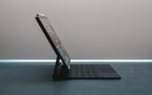 Read more about the article The Best Hybrid Laptops: Buying Guide 2021 In The USA